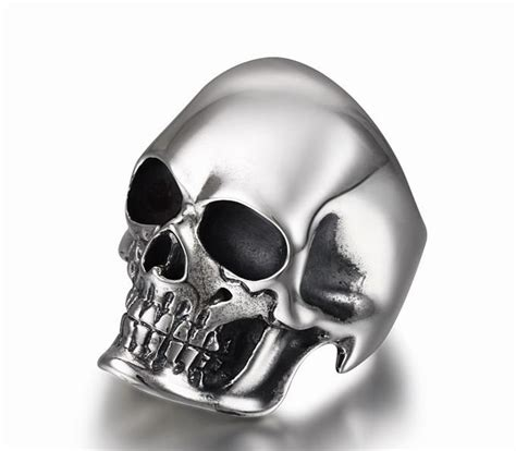The Master Oxidized Sterling Silver Skull Ring Skullis