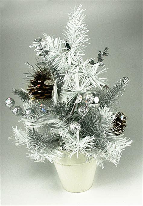 decoration sapin de noel blanc et argent deco sapin blanc argent cilif