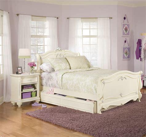 childrens furniture bedroom sets lea mcclintock 2 sleigh bedroom set in