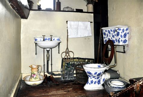The Cabinet Doctor by London Sherlock Holmes Museum Address Video Photos
