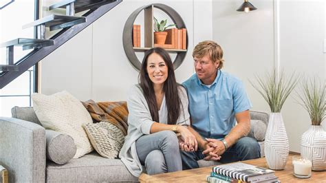 chip and joanna gaines house boat chip and joanna gaines fix up a rundown houseboat today