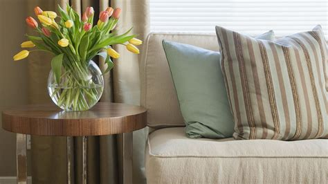 interior design with flowers why less is more in home d 233 cor 3 reasons to minimize clutter