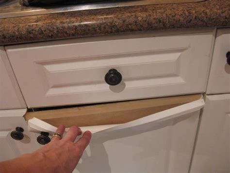 can you paint laminate kitchen cabinets how do you paint laminate kitchen cupboards when they re