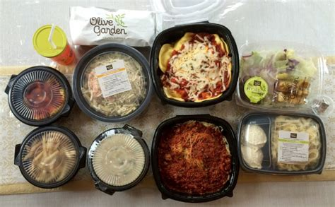 olive garden to go olive garden pay 26 for four entrees two soups salads meal breadsticks only