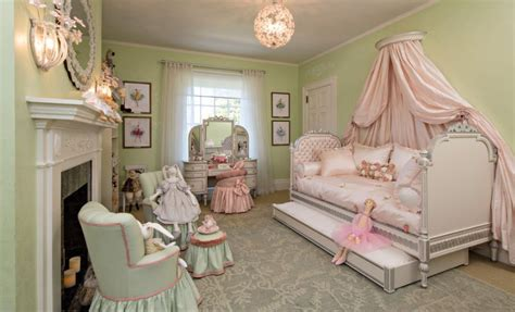 princess canopy bed turning a room into a princess lair ideas for