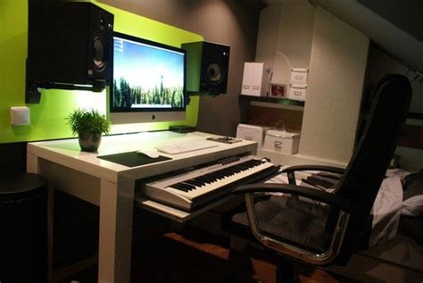 wanna make this http hacktivision org home studio desk