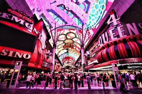 Fremont Street Light Show Hours by Viva Vision Light Show Fremont Street Experience