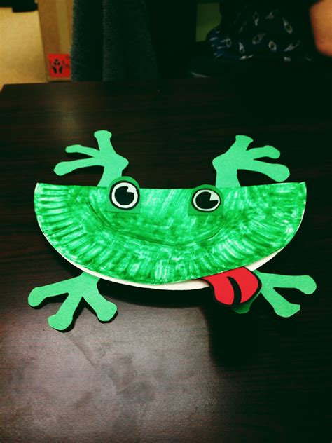 paper plate frog craft chipper recycle craft paper plate frog let s go chipper