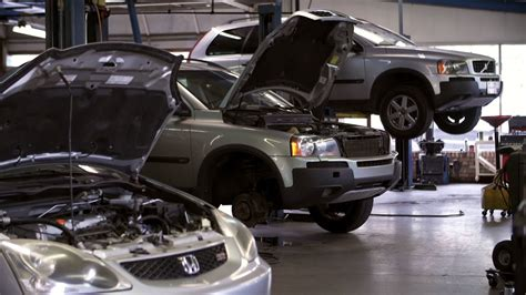 Car Mechanic Wallpaper by Mechanic Shop Wallpaper Www Pixshark Images