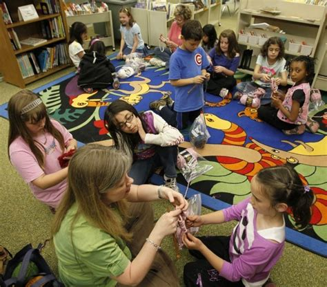 knitting classes chicago program teaches children both knitting and giving crafts