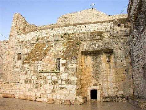 nativity houses ancient church of the nativity bethlehem marking the