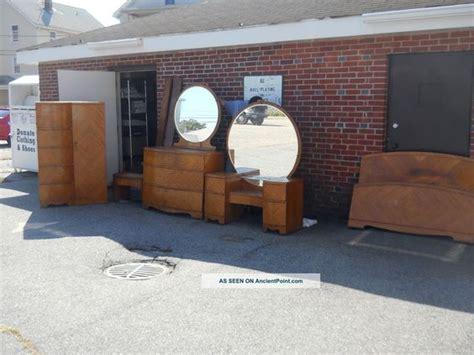vintage bedroom furniture 1950s deco waterfall bedroom set 1930s 1940s antique vintage