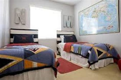 bedroom ideas for two beds how to arrange a small bedroom with two beds 5 ways
