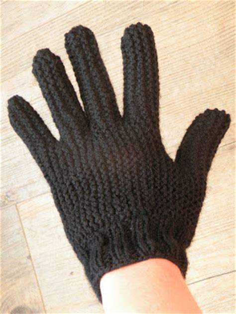 knitting pattern for gloves on two needles just skirts and dresses knitting gloves on two needles