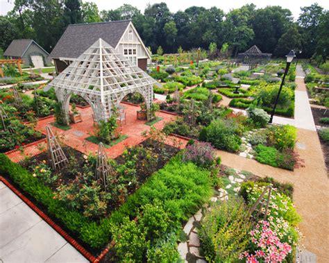 Garden Of Commune Hbs Goes To Dtlv