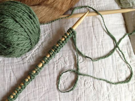 how do i cast my knitting best size knitting needles for beginners crochet and knit