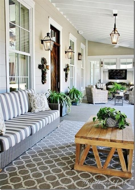 Charleston Porch Swing by Tips For Choosing Your Patio Rugs Messagenote