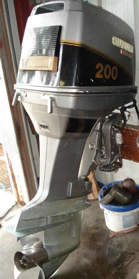 Suzuki 200 Outboard by Used Suzuki Dt 200 Hp Outboard Motor Suzuki Outboards