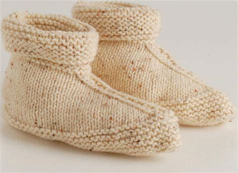 free knitted bed slippers patterns knit slippers in one vrouekeur
