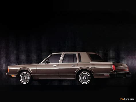 Car Town Wallpaper by Lincoln Town Car 1985 89 Wallpapers 1024x768