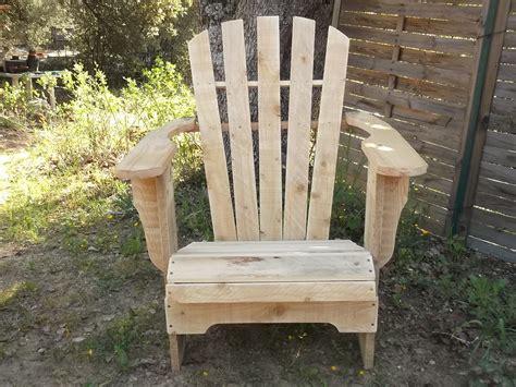 profitez du fauteuil style adirondack en bois de palettes de salon int 233 rieur ou de v 233 randa car