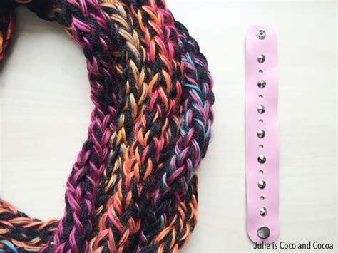 how to finish finger knitting a scarf one hour finger knit infinity scarves julie measures
