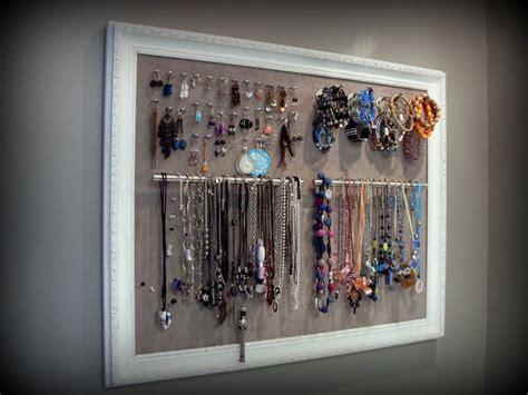 cadre porte bijoux œillets pour les boucles d oreilles crochets pour les bracelets et poign 233 es