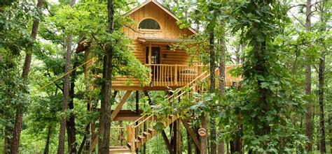 tree house cottages eureka springs whispering wood treehouse eureka springs cabins
