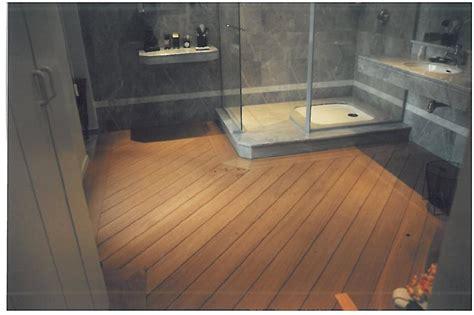 indogate salle de bain parquet pont de bateau