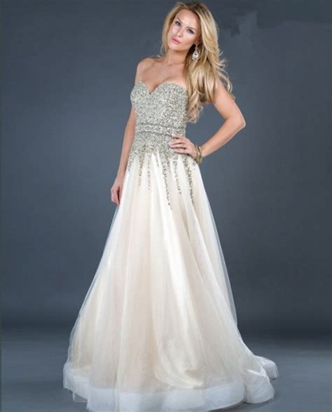 A Line Sweetheart Ivory Tulle Beaded Evening Dress