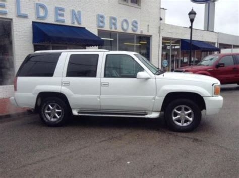 1999 Cadillac Escalade Mpg by Purchase Used 1999 Cadillac Escalade 4wd In 117 E Broad St