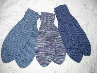 knitting patterns for mittens on four needles ravelry mitts knitted on 4 needles pattern by patons