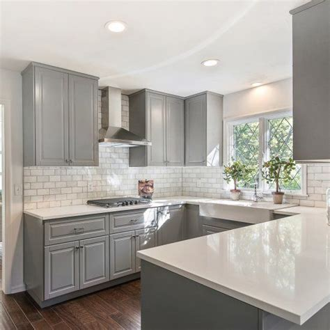 gray and white kitchen 25 best ideas about gray and white kitchen on