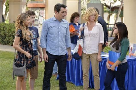 modern family season 6 episode 2 quot do not push quot photos