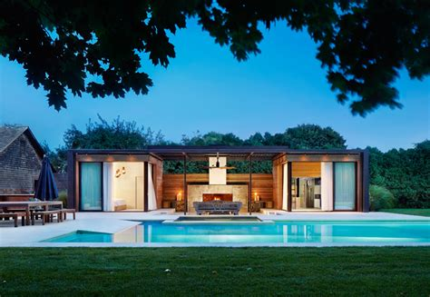modern house with pool a contemporary pool house in the htons contemporist