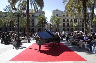 el corte ingles abre ma ana una marat 243 n de piano en la plaza reial abre hoy en