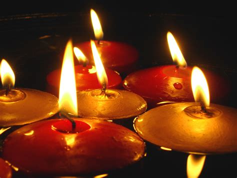 water and floating candles simple decoration ideas the of