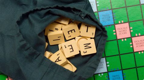 scrabble scoring system scrabble tile points system challenged abc news