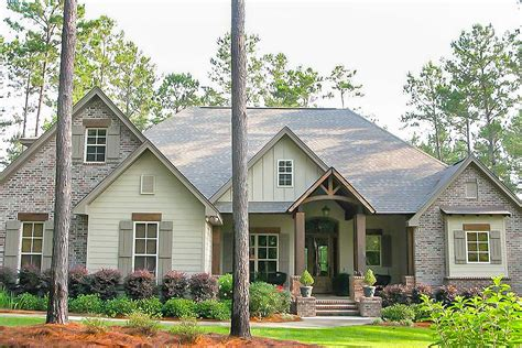 craftsman house plans with pictures craftsman house plan with rustic exterior and bonus above the garage 51746hz architectural