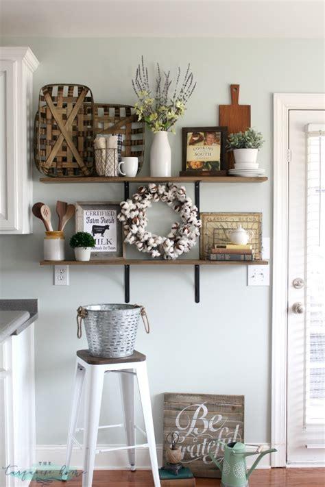 farmhouse kitchen decorating ideas decorating shelves in a farmhouse kitchen