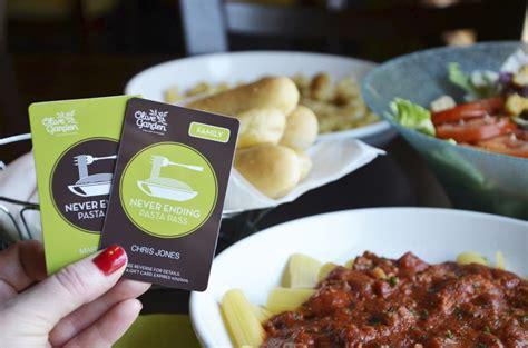 rejoice olive garden is bringing back their never ending pasta pass