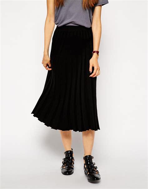 knit midi skirt asos pleated midi skirt in knit in black lyst