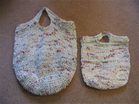 how to knit plastic bags knitting with plastic grocery bags free knitting projects