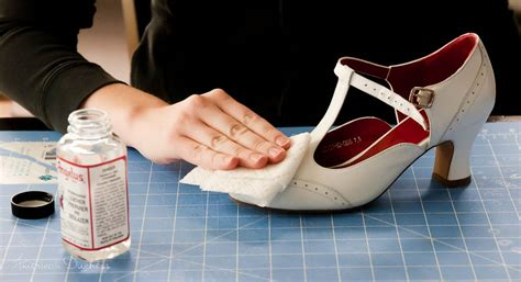 angelus paint for canvas shoes how to paint your own 1920s flapper shoes american duchess
