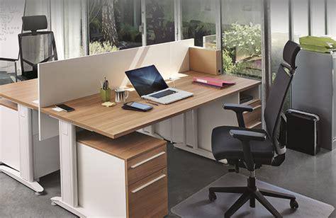 gammes de bureau professionnel et bureau de direction top office