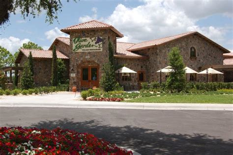 olive garden postpones opening its hawaii restaurant at kapolei commons pacific business