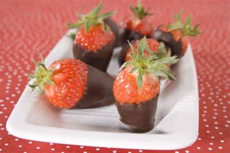 recette de fraise en coque de chocolat facile et rapide