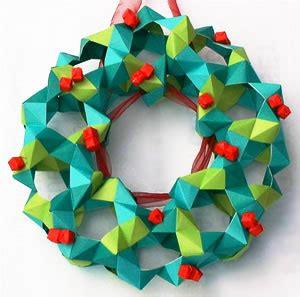how to make a origami wreath n 229 r genbrug bliver guld julekrans af papir