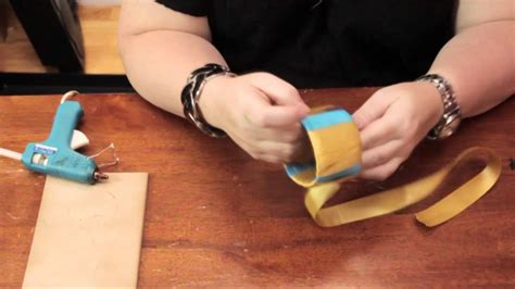 rubber sting ideas how to make a bracelet from a recycled plastic bottle