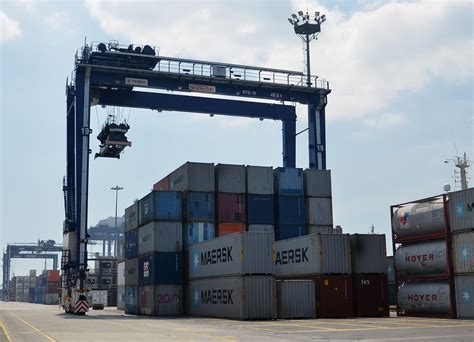 rubber st mumbai psa orders terex equipment for new indian terminal